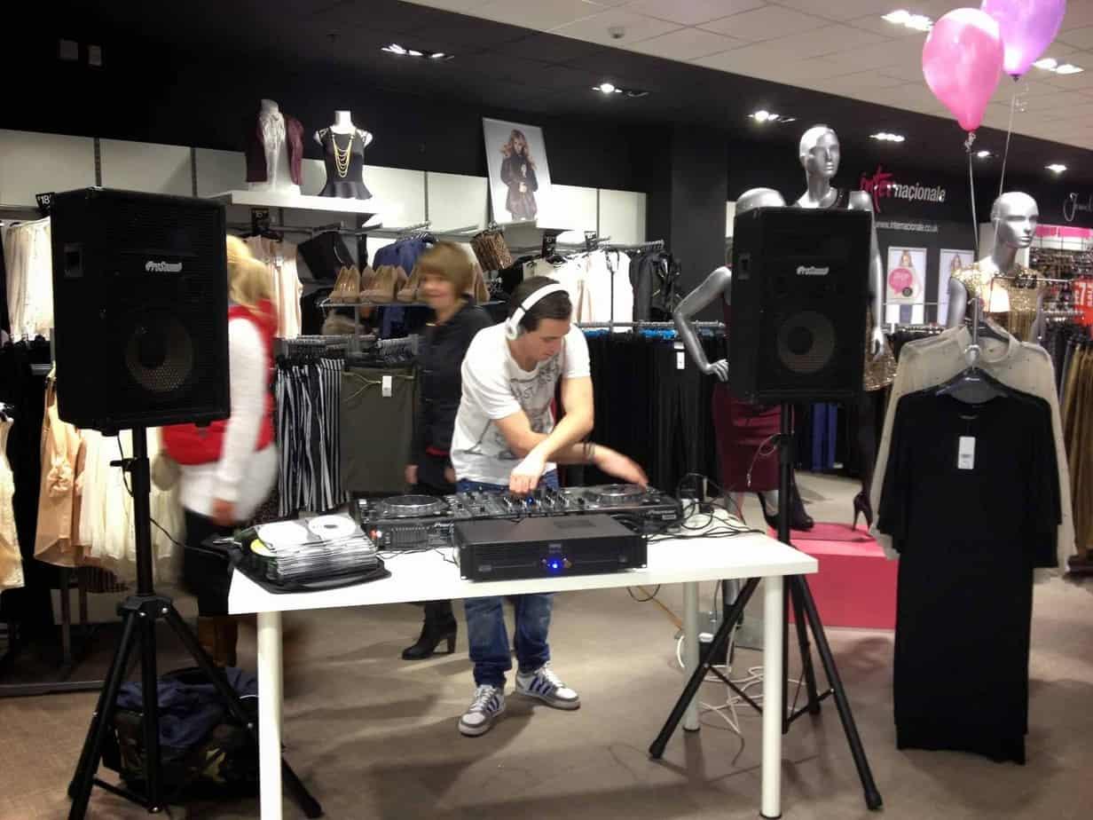 DJ Ryan Dorrian / Dozzer - Internacionale - Storm DJs