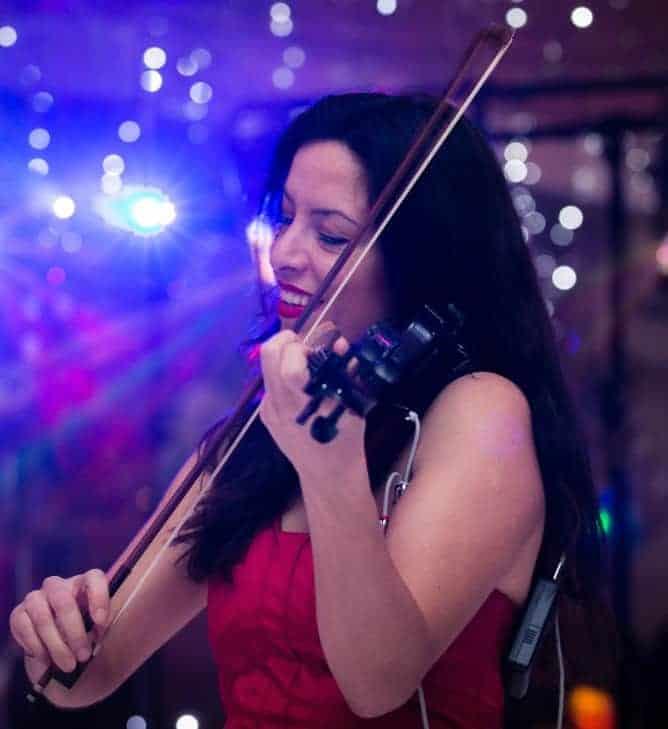 Marie Anne Bruccheri violin