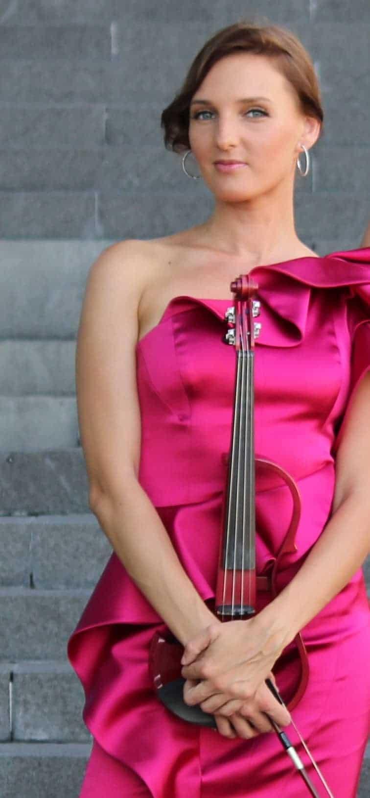 Enrika Uselyte Violinist01