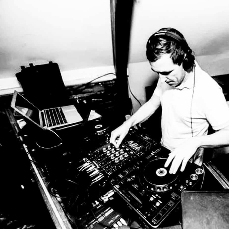 DJ Dozzer - Storm DJs London