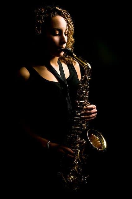 Yasmin Ogilvie DJ Saxophonist 01