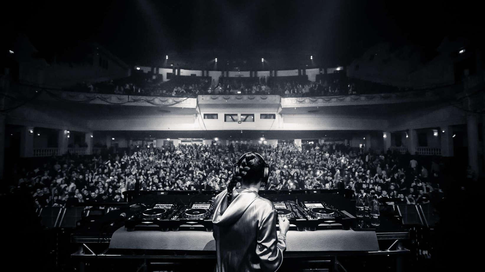 DJ Becky Saif live at Brixton Academy - Storm DJs
