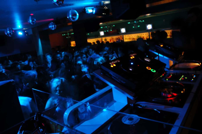 Storm DJs Agency crowd - London DJ hire
