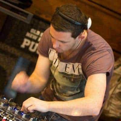 DJ Dozzer - Storm DJs London - DJ Hire - Ryan Dorrian