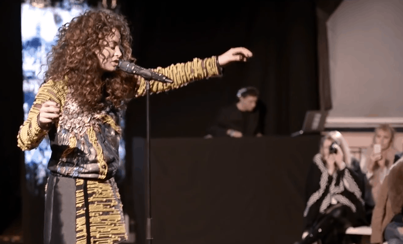 Ella Eyre & DJ Glu Sound - London Fashion Week - Gyunel