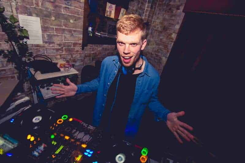 DJ Luke Sorensen - Profile 4 - DJ Hire Agency - Storm DJs