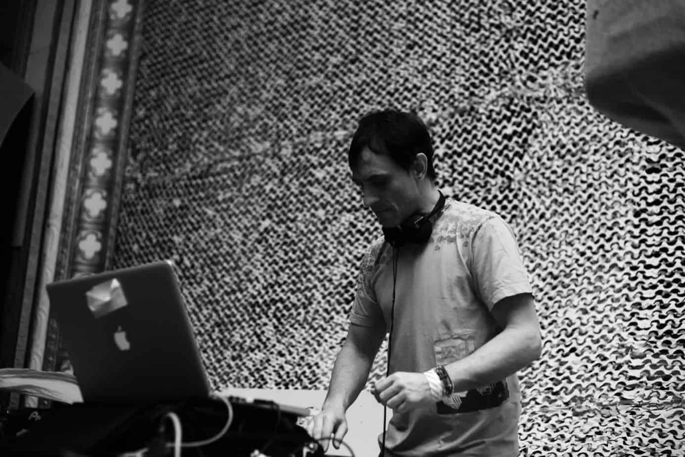 VJ Guillaume Clave - Profile 3 - DJ Hire Agency - Storm DJs