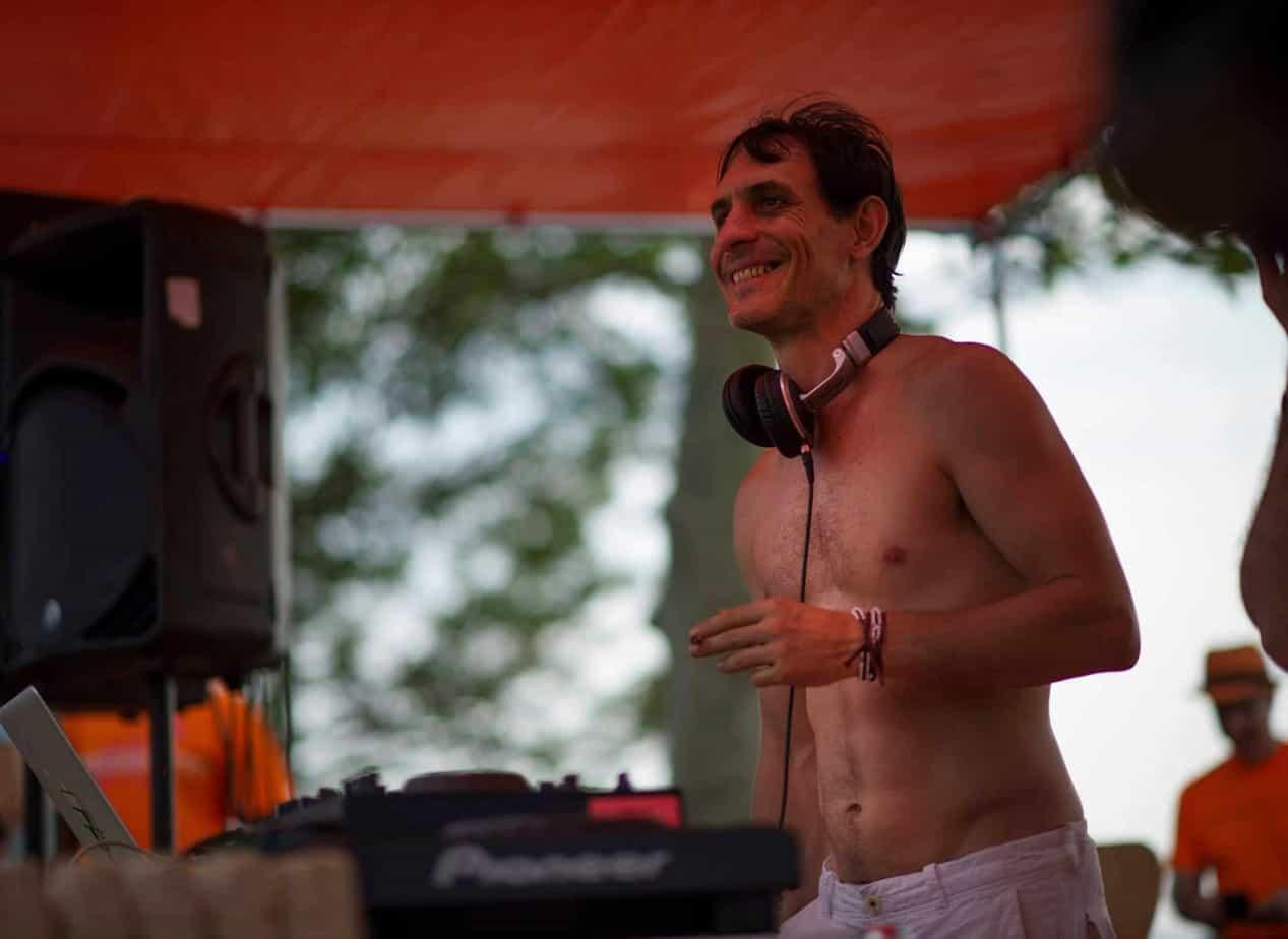 VJ Guillaume Clave - Profile 4 - DJ Hire Agency - Storm DJs