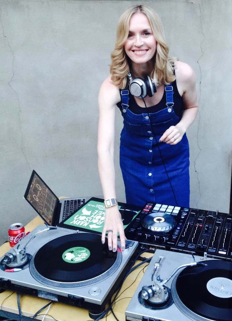 Dj Vinyl Jen Uk S Best Vinyl Only Female Dj Storm Djs