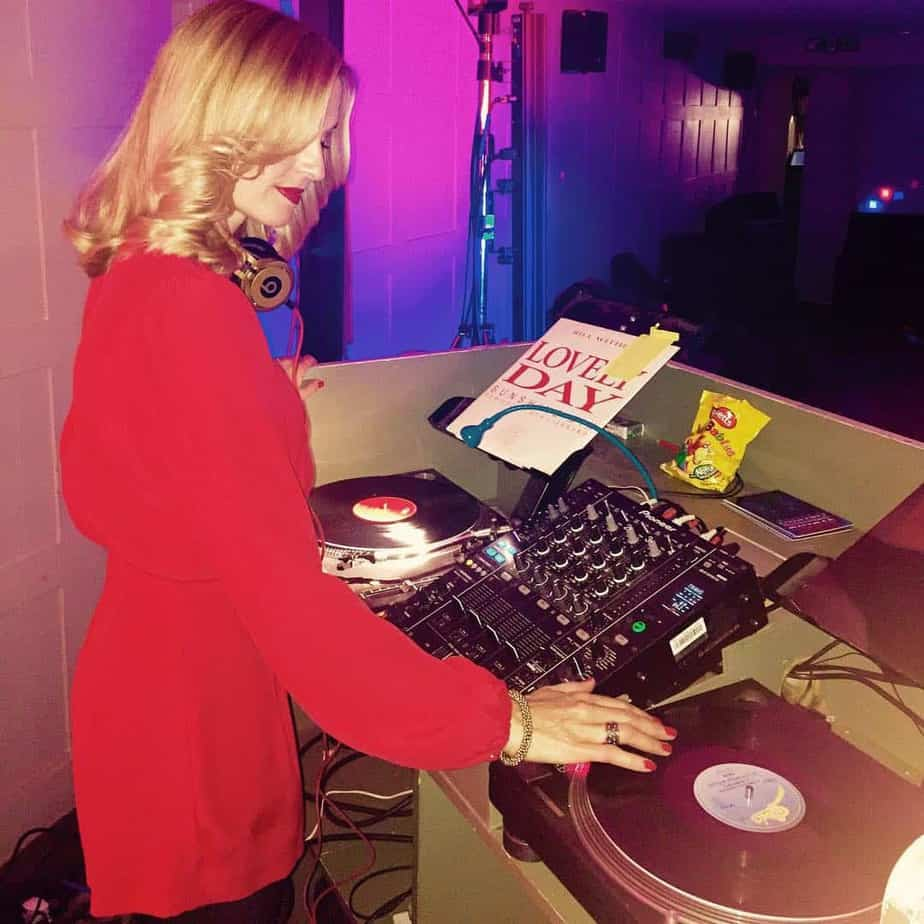 Dj Vinyl Jen Uk S Best Vinyl Only Female Dj Storm Djs