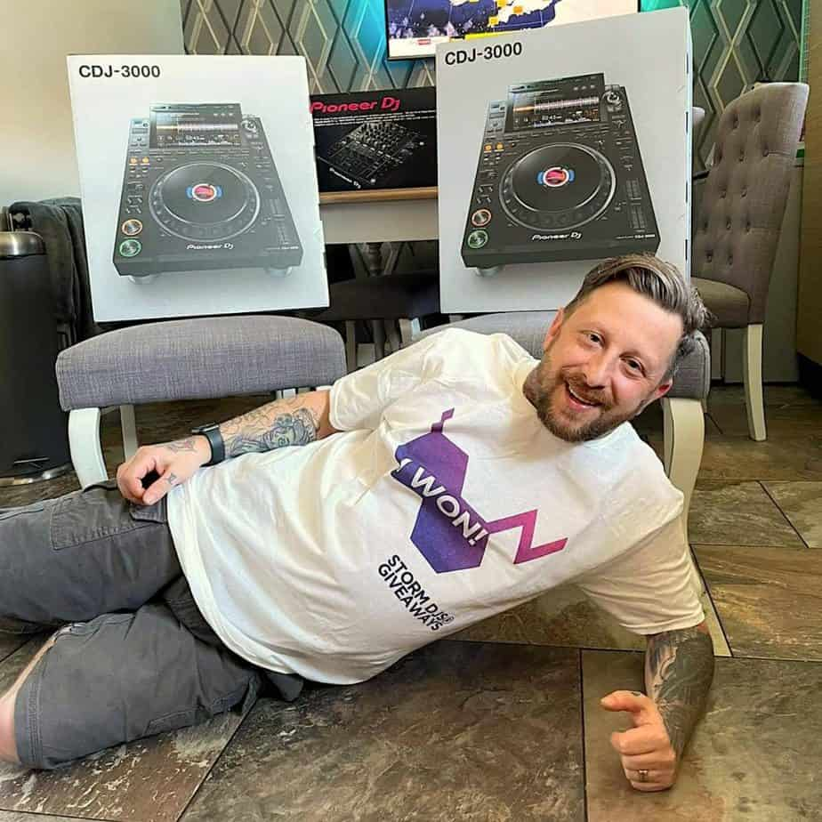 Storm DJs May Competition Winner - Lee Bailey - CDJ3000 & DJM900NXS2 (1)